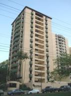 Apartamento En Alquiler En Valencia, Guataparo, Venezuela, VE RAH: 17-786