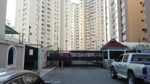 Apartamento En Venta En Valencia, Prebo I, Venezuela, VE RAH: 17-787