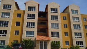 Apartamento En Alquiler En Lecheria, Complejo Turistico El Morro, Venezuela, VE RAH: 17-794