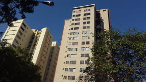 Apartamento En Venta En Valencia, Las Chimeneas, Venezuela, VE RAH: 17-803