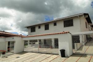 Casa En Ventaen Caracas, Alto Hatillo, Venezuela, VE RAH: 17-805