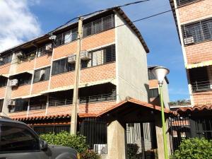 Apartamento En Venta En Guarenas, Terrazas Del Este, Venezuela, VE RAH: 17-807