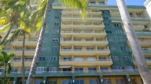 Apartamento En Venta En Lecheria, Complejo Turistico El Morro, Venezuela, VE RAH: 17-811