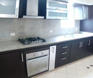Apartamento En Venta En Municipio San Diego, Terrazas De San Diego, Venezuela, VE RAH: 17-825
