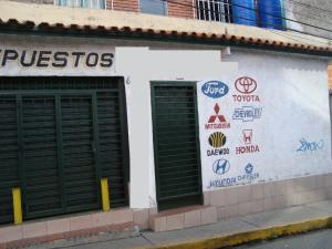 Local Comercial En Venta En Caracas, Municipio Baruta, Venezuela, VE RAH: 17-828