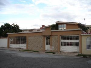 Casa En Venta En Maracay, Andres Bello, Venezuela, VE RAH: 17-826