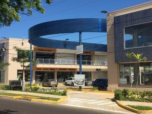 Local Comercial En Venta En Maracaibo, Avenida Milagro Norte, Venezuela, VE RAH: 17-831