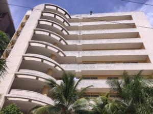 Apartamento En Venta En Higuerote, Puerto Encantado, Venezuela, VE RAH: 17-850