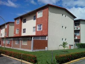 Apartamento En Venta En Guatire, Valle Grande, Venezuela, VE RAH: 17-859