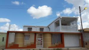 Casa En Venta En Punto Fijo, Los Caciques, Venezuela, VE RAH: 16-6192