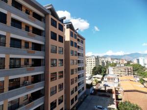Apartamento En Venta En Valencia, Agua Blanca, Venezuela, VE RAH: 17-899