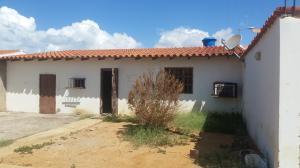 Casa En Venta En Punto Fijo, Puerta Maraven, Venezuela, VE RAH: 17-924