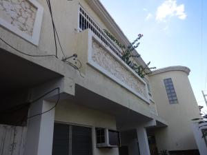 Casa En Venta En Maracaibo, Avenida Universidad, Venezuela, VE RAH: 17-919