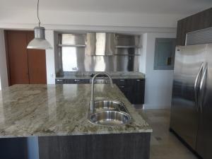 Apartamento En Ventaen Maracaibo, La Lago, Venezuela, VE RAH: 17-922