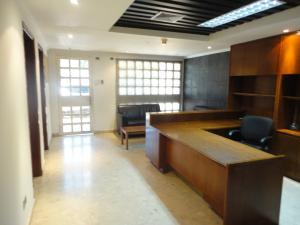 Oficina En Alquiler En Maracaibo, La Lago, Venezuela, VE RAH: 17-937