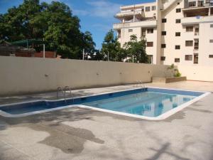 Apartamento En Venta En Parroquia Caraballeda, Tanaguarena, Venezuela, VE RAH: 17-935