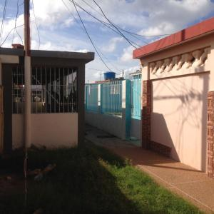 Casa En Venta En Punto Fijo, Jorge Hernandez - Banco Obrero, Venezuela, VE RAH: 17-954