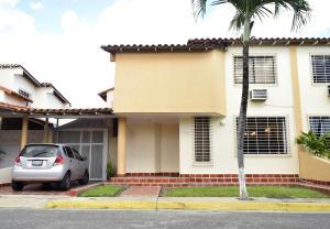 Casa En Venta En Cabudare, Parroquia José Gregorio, Venezuela, VE RAH: 17-960