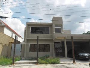 Casa En Venta En Municipio San Diego, Chalet Country, Venezuela, VE RAH: 17-967
