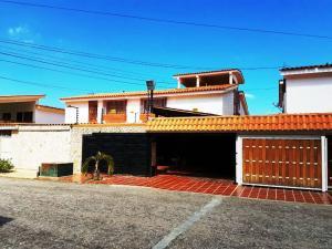 Casa En Venta En Maracaibo, Canaima, Venezuela, VE RAH: 17-969