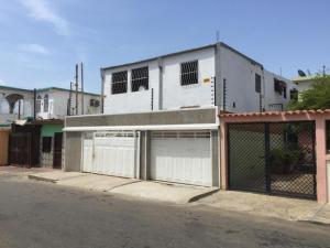 Casa En Venta En Maracaibo, 18 De Octubre, Venezuela, VE RAH: 17-974