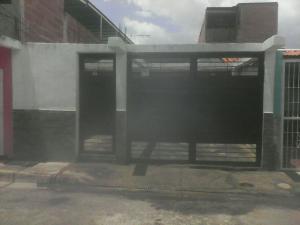Casa En Venta En San Joaquin, Villas Del Centro, Venezuela, VE RAH: 16-10858
