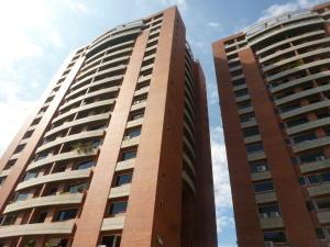 Apartamento En Venta En Caracas, Colinas De Los Chaguaramos, Venezuela, VE RAH: 17-994