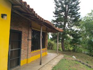 Casa En Venta En Caracas, El Hatillo, Venezuela, VE RAH: 17-998