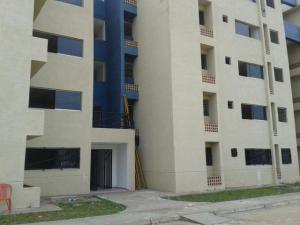 Apartamento En Venta En Municipio Los Guayos, Paraparal, Venezuela, VE RAH: 17-1002