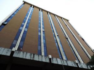Oficina En Venta En Caracas, La Urbina, Venezuela, VE RAH: 17-1012