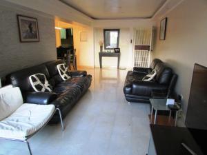 Apartamento En Venta En Caracas - Los Naranjos del Cafetal Código FLEX: 17-1020 No.2