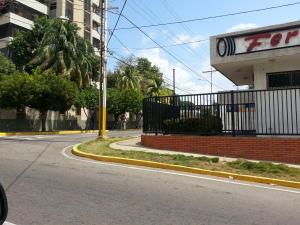 Edificio En Alquiler En Maracaibo, Santa Maria, Venezuela, VE RAH: 17-1031