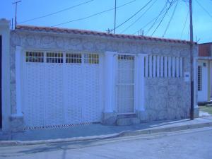 Casa En Venta En Turmero, La Casona, Venezuela, VE RAH: 17-1042