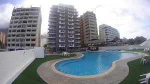 Apartamento En Venta En Parroquia Caraballeda, Caribe, Venezuela, VE RAH: 17-1048