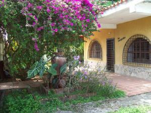 Casa En Venta En Rio Chico, Los Canales De Rio Chico, Venezuela, VE RAH: 17-1069