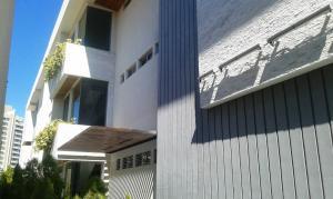 Apartamento En Venta En Maracaibo, Virginia, Venezuela, VE RAH: 17-1080