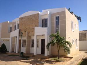 Townhouse En Ventaen Ciudad Ojeda, Campo Elias, Venezuela, VE RAH: 17-1108