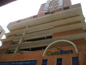 Apartamento En Venta En Caracas, Parroquia La Candelaria, Venezuela, VE RAH: 17-1140