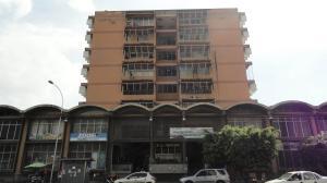 Oficina En Venta En Maracay, Avenida Bolivar, Venezuela, VE RAH: 17-1147