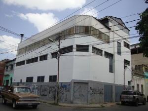 Local Comercial En Alquiler En Caracas, Cementerio, Venezuela, VE RAH: 17-1158