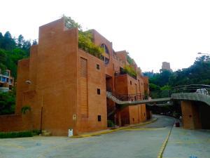 Townhouse En Venta En Caracas, La Boyera, Venezuela, VE RAH: 17-1190