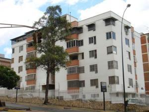 Apartamento En Venta En Caracas, El Marques, Venezuela, VE RAH: 17-1213