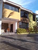Casa En Venta En Valencia, Colinas De Guataparo, Venezuela, VE RAH: 17-1250