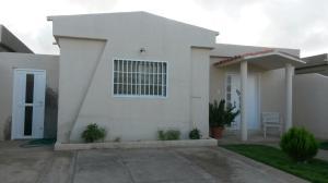 Casa En Venta En Punto Fijo, Puerta Maraven, Venezuela, VE RAH: 17-1254