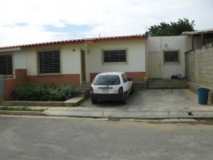 Casa En Venta En Cabudare, Parroquia José Gregorio, Venezuela, VE RAH: 17-1251