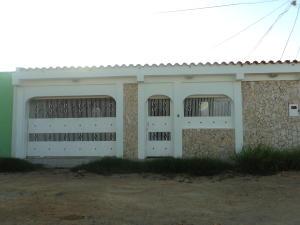 Casa En Ventaen Punto Fijo, Santa Irene, Venezuela, VE RAH: 17-1266