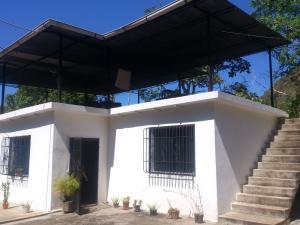 Casa En Venta En La Guaira, Maiquetia, Venezuela, VE RAH: 17-1262