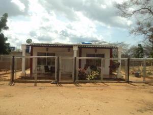 Casa En Venta En Punto Fijo, Los Taques, Venezuela, VE RAH: 17-1273