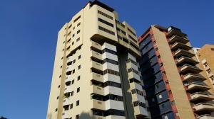 Apartamento En Venta En Valencia, El Parral, Venezuela, VE RAH: 17-1280
