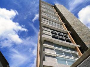 Apartamento En Venta En Caracas, El Paraiso, Venezuela, VE RAH: 17-1335